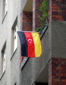 Un drapeau germano-turc à Neukölln